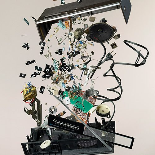 ella-exhibit-things-come-apart-flip-clock